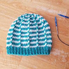 Ravelry: Duet Baby Hat pattern by marianna mel Baby Hat Knitting Pattern, Baby Hat Patterns, Loom Knitting Patterns, Baby Hats Knitting, Knit Hats, Free Knitting, Sock Monkey Hat, Preemie Babies, Baby Bonnets