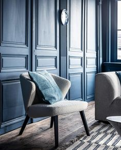 Floor Rugs, Dining Chairs, Colours, Wallpaper, Flooring, Interior, Projects, Room, Inspiration