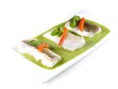 Bacalao con salsa de pimientos verdes / Más recetas e información sobre la alimentación en personas con diabetes en: www.fundaciondiabetes.org