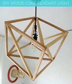 #DIY wood cube pendant light // gorgeous!