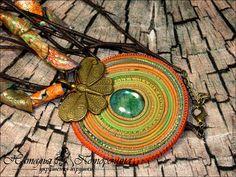 Купить колье подвеска кулон Око флоры - разноцветный, полимерная глина, рваный край