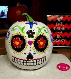 I just finished painting my Day od the Dead pumpkin! - painted pumpkin - Halloween decoration - pumpkin - I just finished painting my Day od the Dead pumpkin! Diy Halloween, Theme Halloween, Holidays Halloween, Halloween Pumpkins, Happy Halloween, Halloween Decorations, Pirate Halloween, Halloween 2019, Samhain