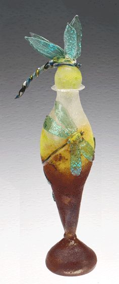 ♈ Dragonfly Versailles ♈ dragonflies in art, photography, jewelry, crafts, home & garden decor - Dragon Fly Perfume Bottle Antique Perfume Bottles, Vintage Bottles, Bottle Vase, Glass Bottles, Glas Art, Beautiful Perfume, Vases, Art Nouveau, Inspiration