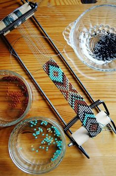 DIY instructions on how to make a unique, beaded native American belt with class. - DIY instructions on how to make a unique, beaded native American belt with classic eagle motif Beading Patterns Free, Bead Loom Patterns, Jewelry Patterns, Beading Ideas, Beaded Bracelet Patterns, Heart Patterns, Jewelry Ideas, Native Beadwork, Native American Beadwork
