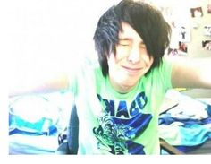 OH MY GOD!!! HE'S SO YOUNG!!! PHIL I LUV YOU!!!!!