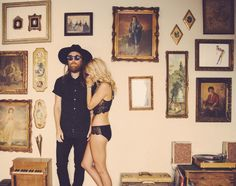 An artist and his muse. Moss and Meadow. @basementfox @babynative