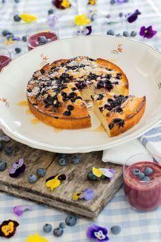 Mehevän pohjan salaisuus on piimässä. Bread Recipes, Baking Recipes, Baking Ideas, Finnish Recipes, Good Food, Yummy Food, Fabulous Foods, Something Sweet, No Bake Desserts