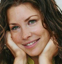 "Evangeline ""freckles"" on Lost Canadian Actresses, Hot Actresses, Hollywood Actresses, 2000s Tv Shows, Nicole Evangeline Lilly, Brunette Beauty, Brunette Hair, Celebrity Faces, Celebrity Crush"