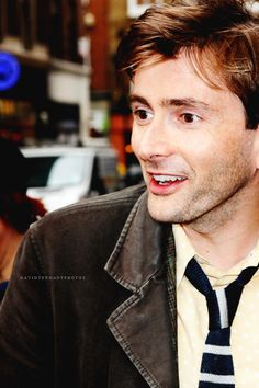 WHY IS HE SO BEAUTIFUL? AUGH, MY FANGIRL HEART!