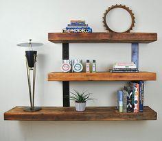 etagere mure en bois brut avec support en métal pour un style vintage moderne