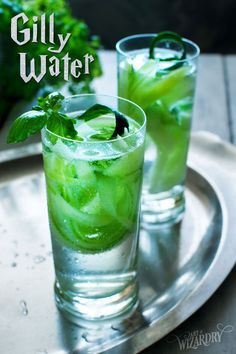 Harry Potter Gillywater recipe - non-alcoholic but if you wanted you could probably swap water with a clear liquor Harry Potter Cocktails, Harry Potter Snacks, Harry Potter Potions, Harry Potter Halloween, Harry Potter Wedding, Harry Potter Christmas, Harry Potter Birthday, Harry Potter Movies, Harry Potter Recipes