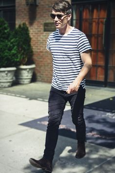 Cillian Murphy Tommy Shelby, Tom Hardy Actor, Cillian Murphy Peaky Blinders, 40s Fashion, Dress Codes, Cute Guys, Celebrity Crush, Actors & Actresses, How To Look Better