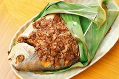 Food: Deep Fried Pomfret with Sambal Sauce baked in Banana Leaf at Banana Leaf Restaurant Cebu City