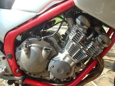 YAMAHA XJ600S Diversion 1991 - Engine before the rebuild
