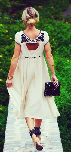 beautiful white dress // black embroidery #boho #summertime