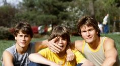 Rob Lowe, C. Thomas Howell, and Patrick Swayze on the set of The Outsiders The Outsiders Cast, The Outsiders Imagines, The Outsiders Fanfiction, Dallas Winston, Brat Pack, Ralph Macchio, Secret Admirer, Rob Lowe, Patrick Swayze