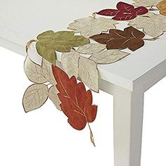 Table Runner And Placemats, Lace Table Runners, Table Runner Pattern, Jute Crafts, Diy And Crafts, Boho Home, Penny Rugs, Christmas Table Decorations, Leaf Table