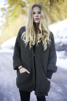Maria Skappel // winter look Chunky Knitwear, Curvy Dress, Knit Fashion, Knit Jacket, Sustainable Fashion, Female Fashion, Womens Fashion, Winter Fashion, Clothes For Women