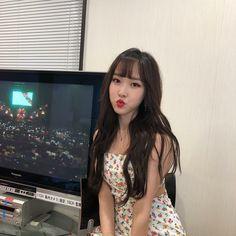 Gfriend-Yuju 190320 Japan official Instagram Gfriend Yuju, Gfriend Sowon, Extended Play, South Korean Girls, Korean Girl Groups, Gfriend Profile, Bias Kpop, Best Song Ever, G Friend