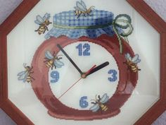 Cross Stitch, Clock, Decor, Tela, Scrappy Quilts, Crocheting Patterns, Crafts, Cross Stitch Kitchen, Bees
