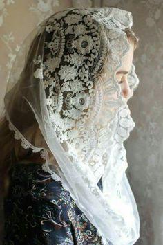 Veil Catholic Veil, Madonna, Mantilla Veil, Chapel Veil, Stylish Dpz, Church Outfits, Girls Dpz, Abaya Fashion, Embroidered Lace