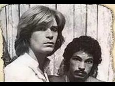 Hall and Oates-Wait For Me (Live + Strings).  Such Feels.