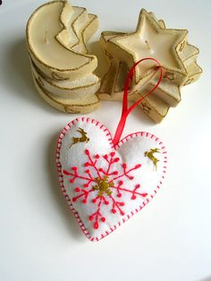Cream and red felt heart- christmas, valentines day home decoration - gift tags, ornament - puffy heart