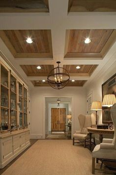 Looking for coffered ceiling design ideas and photos? Coffered ceilings, Home ideas and Ceilings Flur Design, Plafond Design, Wood Ceilings, Coffered Ceilings, Tray Ceilings, Plank Ceiling, Hallway Ceiling, Coffered Ceiling Designs, Ceiling With Beams