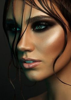 The Makeup Bar by Mia Connor If there was no photo touch up here, then this is amazing skin! Makeup Bar, Skin Makeup, Glossy Makeup, Dramatic Makeup, Makeup Portfolio, Beauty Makeup Photography, High Fashion Makeup, Photoshoot Makeup, Photoshoot Themes