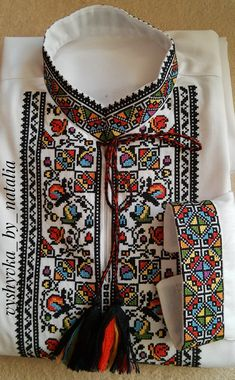 Embroidery Neck Designs, Embroidery Art, Baby Frocks Designs, Frock Design, Cross Stitch, Gardening, Flowers, Fashion, Women's Clothes