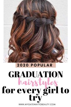 Find the best hairstyles for graduation this year! These hairstyles are perfect for short, medium and long hair. Looking for graduation hairstyles with updo's, Short Bob Hairstyles, Trendy Hairstyles, Girl Hairstyles, Haircuts, Graduation Hairstyles Medium, Beyonce, Updo, Kardashian, Medium Curls