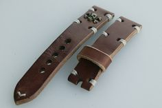 22mm natural hand made leather strap :http://zappacraft.com/index.php/product/no-16-natural-hand-made-leather-strap/