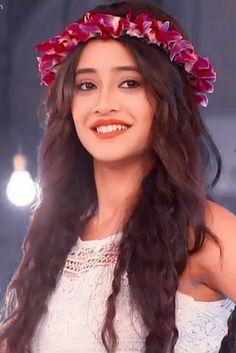 Cute Girl Pic, Cute Girls, Girls Dp, Most Beautiful Indian Actress, Beautiful Actresses, Pakistani Bridal Makeup, Bridal Lehenga, Girl Pictures, Girl Photos