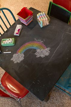 Fun activity for a birthday party for the littles: chalk tabletop!