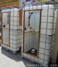 1000 l. Tank shower shower # Projets de menuiserie # Woodworking for beginners - 1000 l. Tank shower shower # Projets de menuiserie # woodworking for beginners, - Water Barrel, Outdoor Bathrooms, Shipping Container Homes, Home Projects, Pallet Projects, Upcycling Projects, Metal Projects, Backyard Projects, Woodworking Projects