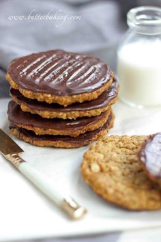 Chocolate hobnobs oat cookies Mr Man is English. He grew up in London and like a typical Englishman he drinks a lot of tea. And likes to dunk biscuits (a. Biscuit Cookies, Biscuit Recipe, Tea Cakes, Cupcakes, Chocolate Hobnobs, Chocolate Oat Cookies, Oatmeal Cookies, Chocolate Biscuits, Vegan Oat Cookies