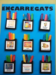 Plafó d'encarragats. CP Sa Graduada. Classroom Posters, Classroom Decor, Popsicle Stick Art, Career Education, Classroom Management, Gallery Wall, Teaching, School, Crafts