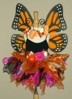 Monarch butterfly garb idea for @ Fall Halloween, Halloween Crafts, Holiday Crafts, Happy Halloween, Halloween Decorations, Halloween Costumes, Fall Decorations, Holiday Ideas, Cute Costumes