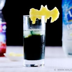 Batman - The Dark Knight Cocktail | MyRecipes.com --  1 ounce(s) Vodka Eristoff Black  2 ounce(s) Lemonade   1 piece(s) Lemon   1 slice(s) Pineapple