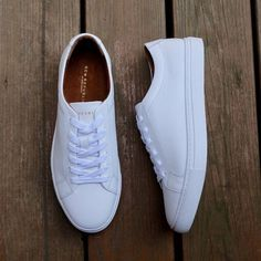 Clean white sneakers from New Republic Men. These shoes can be acquired from Menlo Club. Tenis Casual, Casual Sneakers, Casual Shoes, White Sneakers For Men, Sneakers Fashion Outfits, Fashion Shoes, Mens Fashion, Classy Fashion, White Tennis Shoes