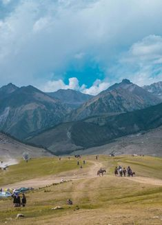 Wondering what it was like to attend the World Nomad Games 2018 in Kyrgyzstan? An honest account about my experience during the WNG, the athletes & nomadic traditions on show. Travel Movies, Travel Photos, Adventure Bucket List, Wanderlust Travel, Athletes, Travel Photography, Travel Inspiration, Road Trip, Beautiful Places
