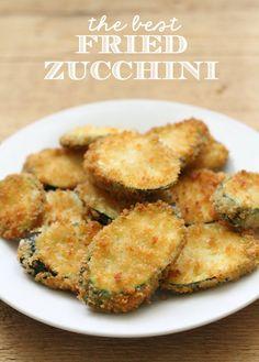 The BEST Fried Zucchini recipe! { lilluna.com } #zucchini