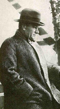 Dünya Liderimiz ve Büyük Önderimiz Sn. Mustafa Kemal ATATÜRK'ün İzinden Giden Değerli Çocuklarına Günaydın Efendim.