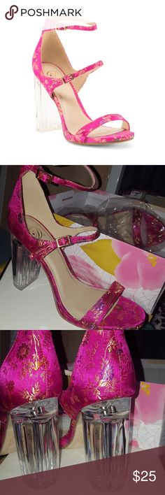 """Gorgeous heels! New in Box! Sakura print Lucite heels by Delicious, women's size 8, clear perspex chunky 4"""" block heel, 2 adjustable straps, satin fuschia floral pattern, open toe, perfect un-worn condition! Delicious Shoes"""