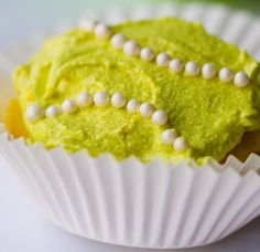 lemon-lime-vegan-tennis ball cupcakes