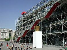 Le Centre Pompidou est ouvert tous les jours, sauf le mardi et le 1er mai.  11 h – 21 h,  fermeture des caisses à 20 h