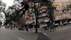 Leandro Overall | DC SHOES - http://DAILYSKATETUBE.COM/leandro-overall-dc-shoes/ - http://www.youtube.com/watch?v=DLk7HjeILOk&feature=youtube_gdata No segundo semestre de 2012 Leandro Overall saiu em viagem com o videomaker Utida Tico para a Europa e Estados Unidos. Registrou imagens em Barcelona, Pennsy... - leandro, overall, shoes