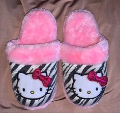 Pretty Pink Princess, Pretty In Pink, Girly Outfits, Cute Outfits, Hollow Kitty, Pink Hello Kitty, Cute Slippers, Scene Kids, Aesthetic Fashion