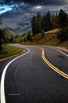A break into the Rocky Mountains (Colorado) by Koru Foto/Alan Szalwinski. Road Trip Photography, Nature Photography, Beautiful Roads, Beautiful Places, Rocky Mountains Colorado, Road Routes, On The Road Again, Winding Road, Road Trippin
