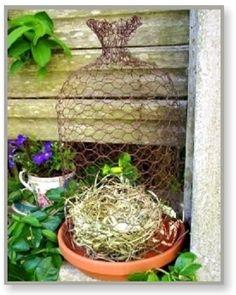 Wire Garden Cloche - easy tutorial (french-country-decor-guide)